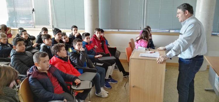 Visita de alumnos del IES Ramón y Cajal de Albacete al I3A